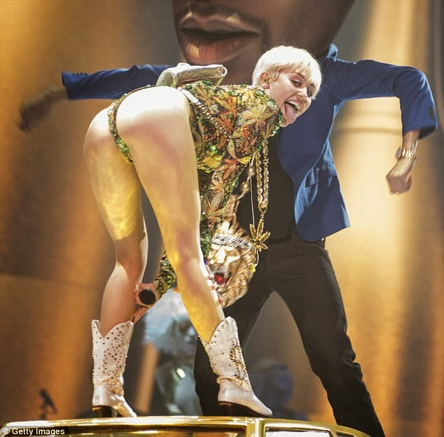 Wild, Raunchy, S*ut performance from Miley Cyrus