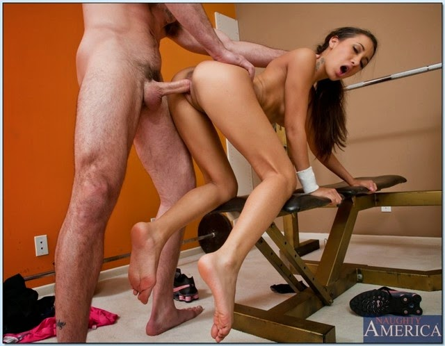 фото со спортивной девушкой секс