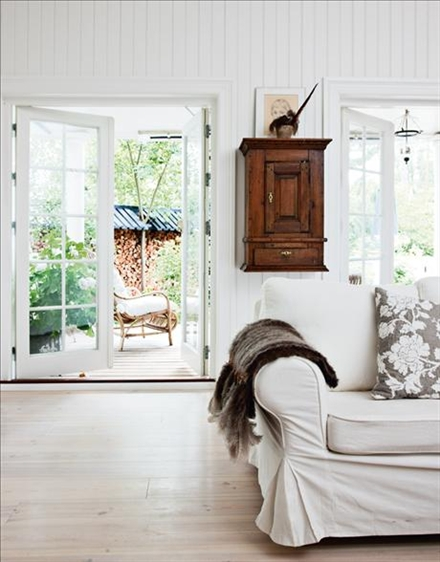 Studio karin sekelskiftes inspiration sommarstuga Chic country house architecture with adorable interior design