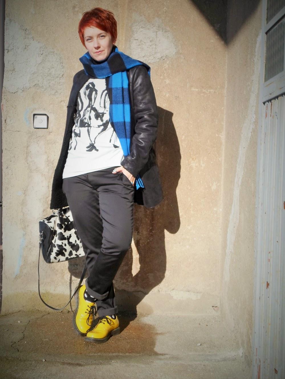 graffiti sweater plaid scarf polka dots yellow shoes fashion style blog