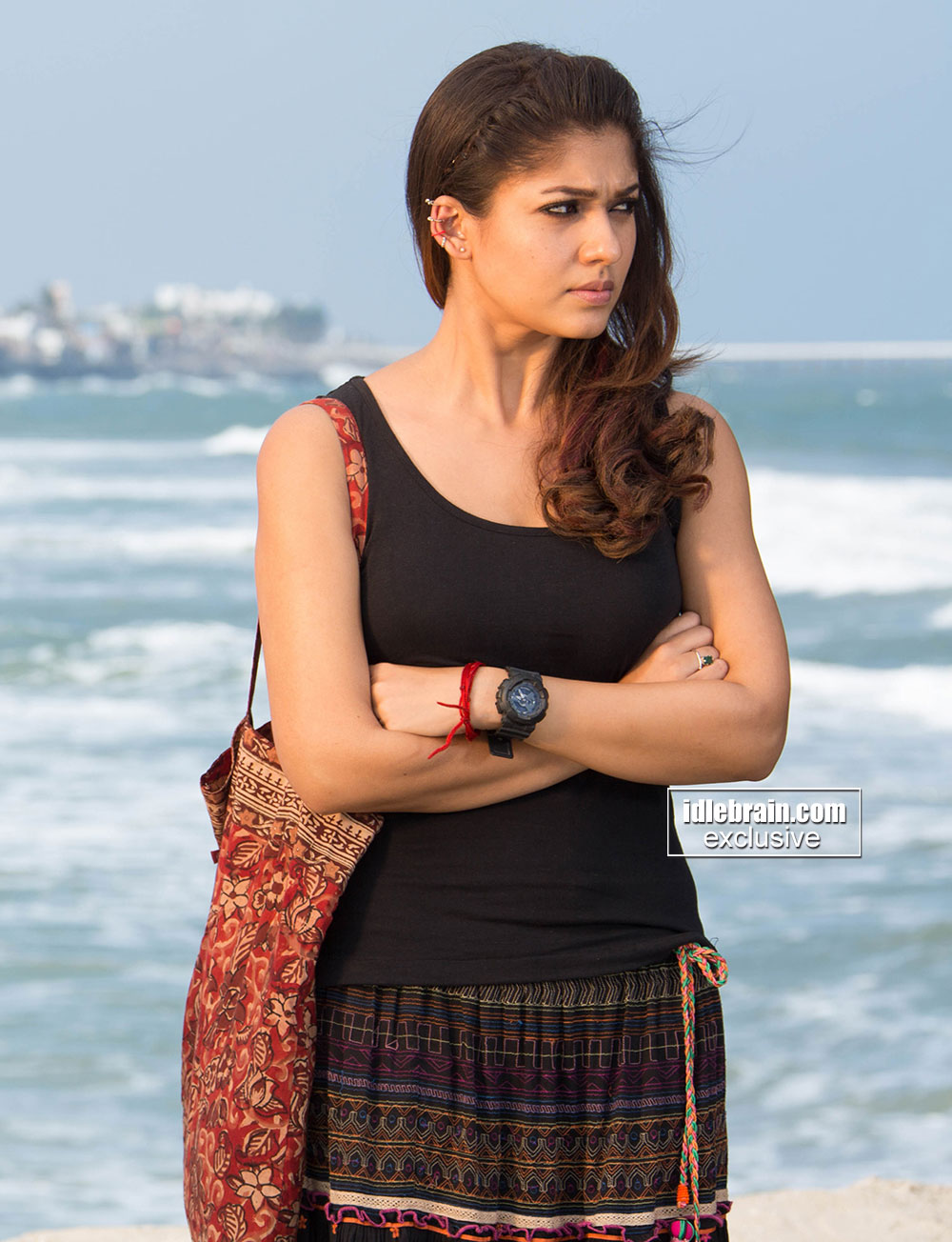 South Indian actress Nayanthara latest hot photos from Tamil movie ...