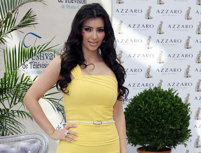 Foto Celana Dalam Kim Kardashian