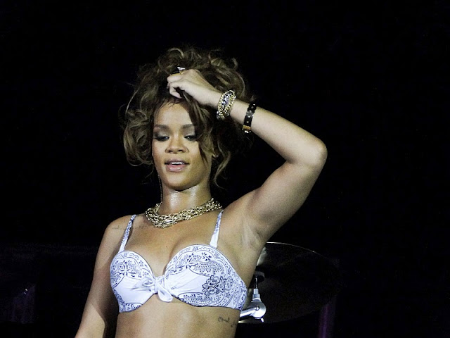 Rihanna – Performs Live in Belo Horizonte/></a></div><br /> <div class=