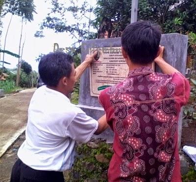 Gunting Pita Jalan Pangkalan RW.04 Desa Cilembu