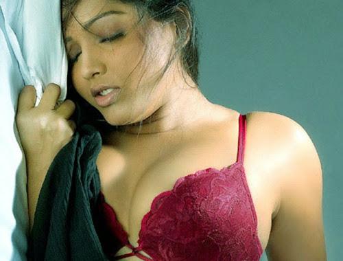 malayalam-erotic-blogs-black-and