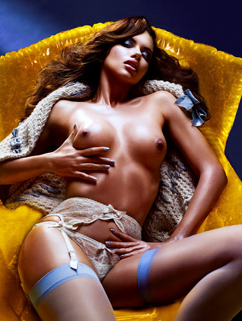 Adriana Lima Nude Photos