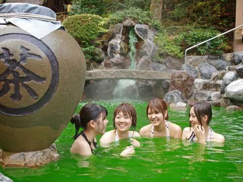 Green Tea Bath, Yunessun Onsen, Hakone