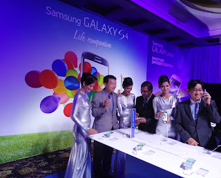 Samsung launches Galaxy S4 in Sri Lanka