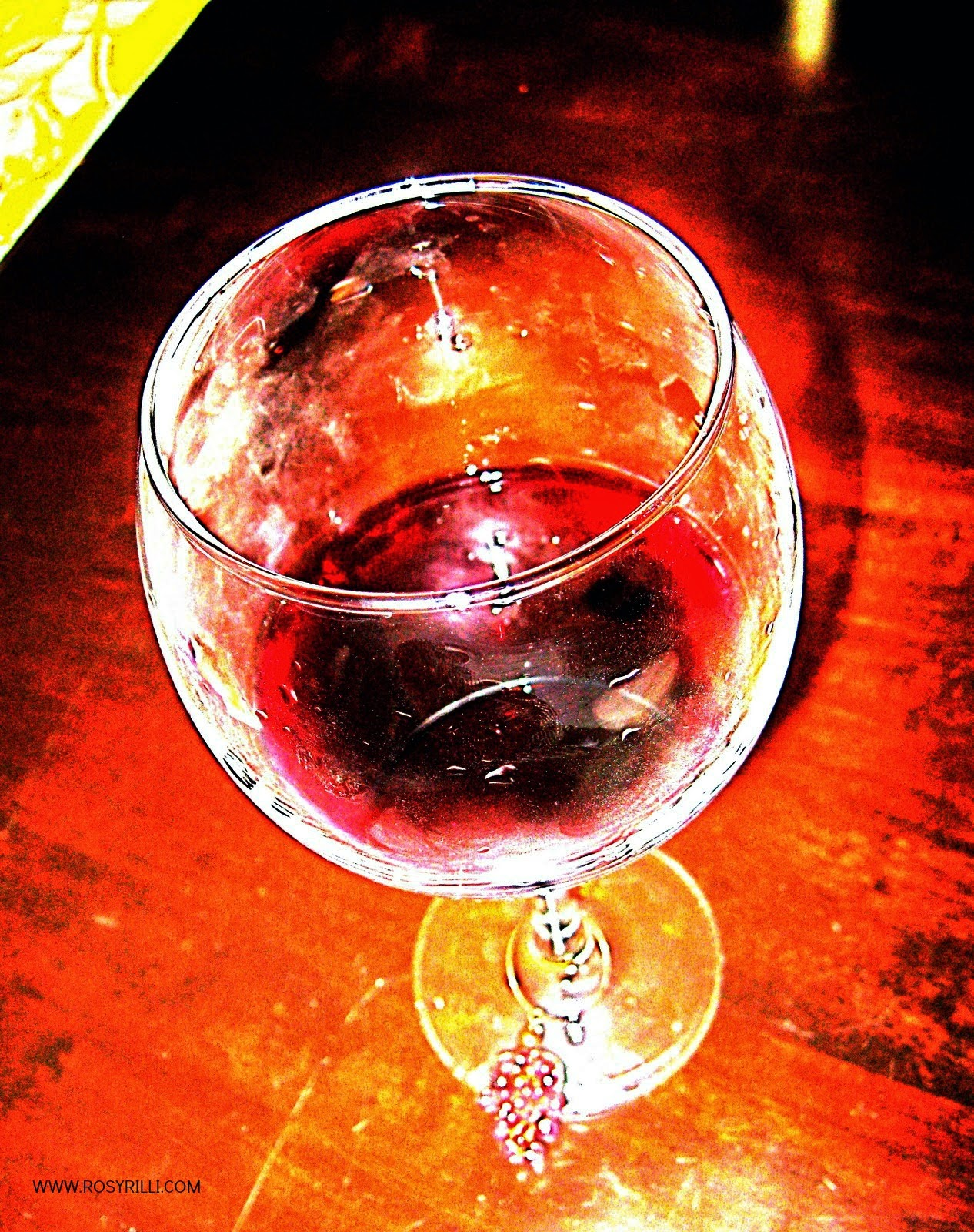 ROSYRILLI.COM Red wine to unwind