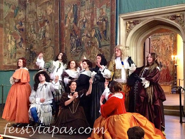 The end of the performance at Hampton Court Palace / Foto del final de una actuación de la compañía teatral de Hampton Court