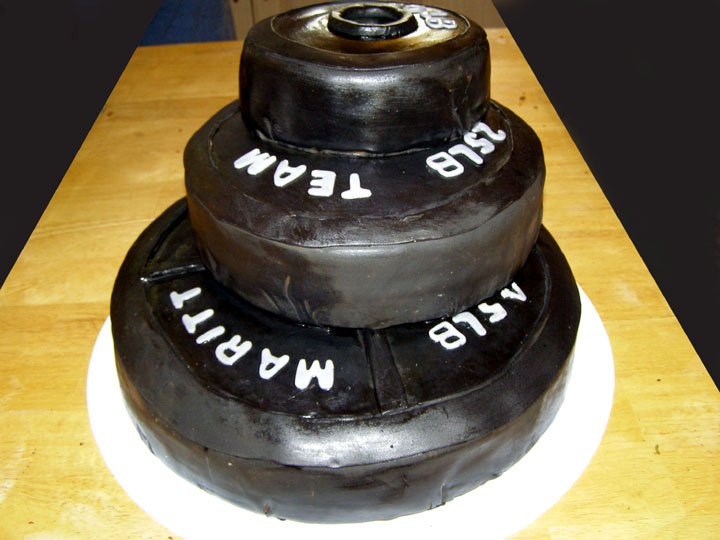 weight lifting cake