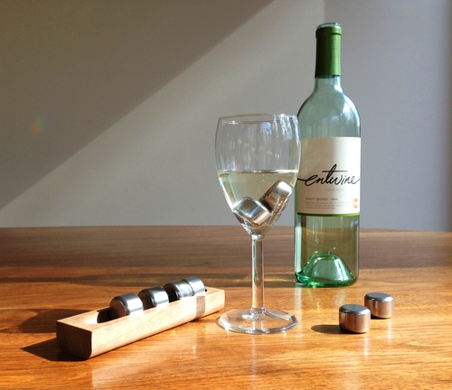 02-Wine-One-Hundred-Pucs-Dave-&-Calvin-Laituri