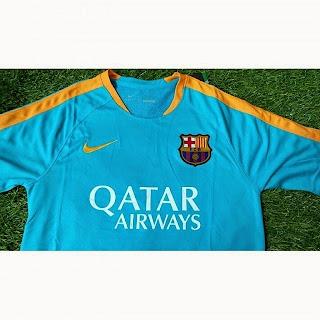jersey training Barcelona warna biru tosca terbaru musim 2015/2016