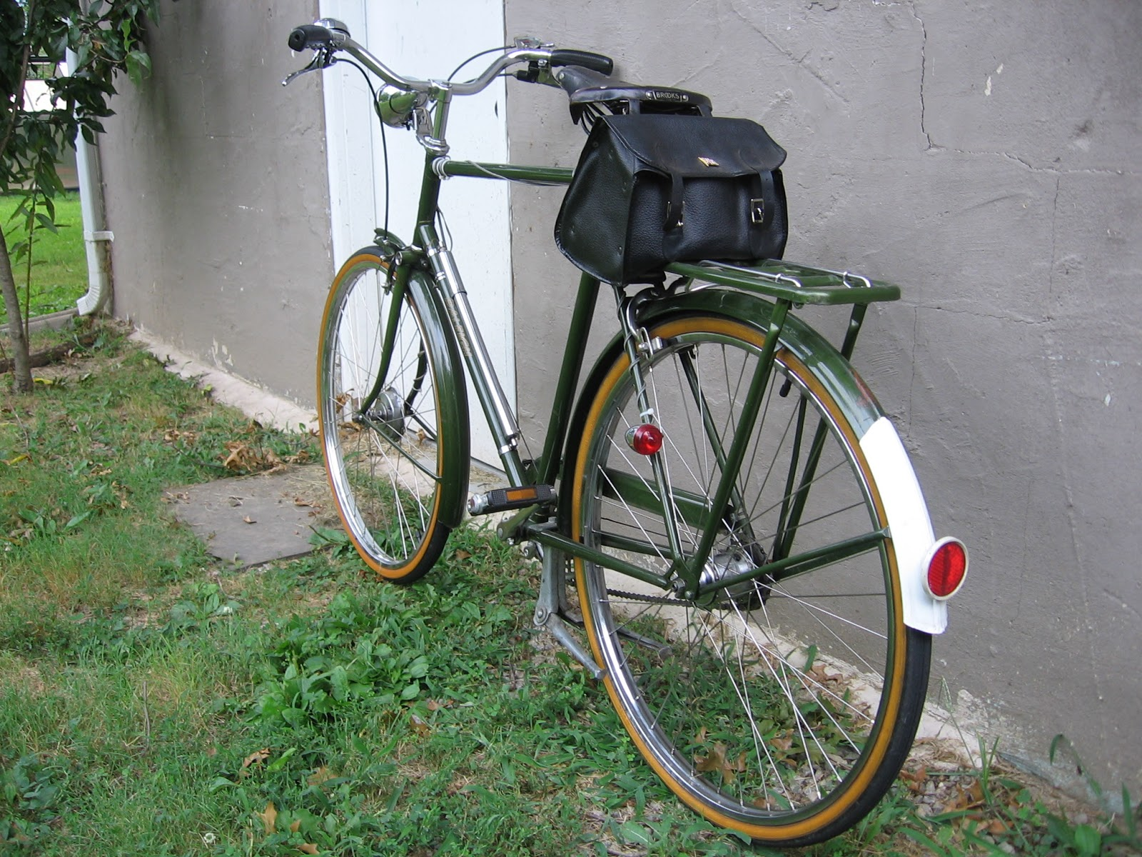 The Bike Shed Summer Rides 1974 Raleigh Sports 3 Speed