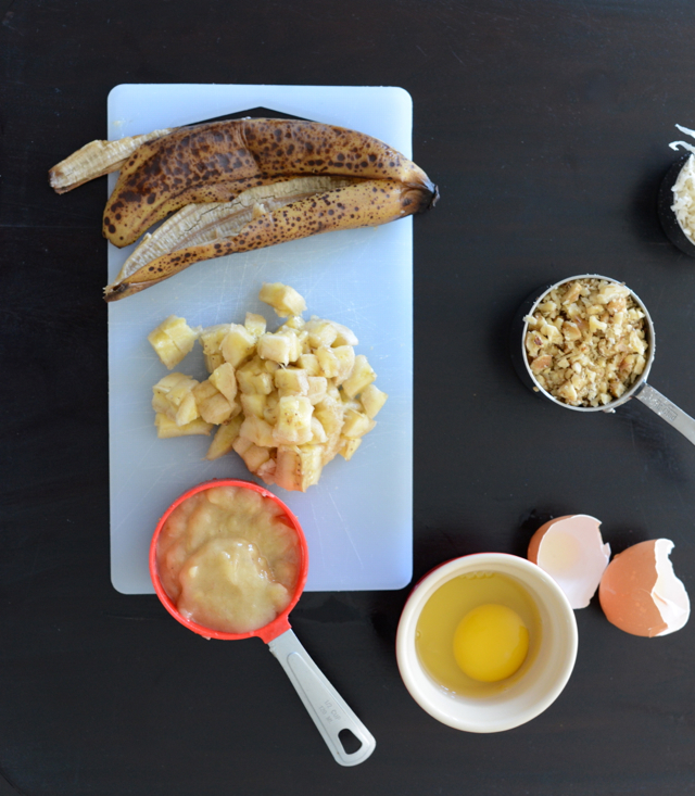 making banana and coconut muffin recipe via M Loves M @marmar