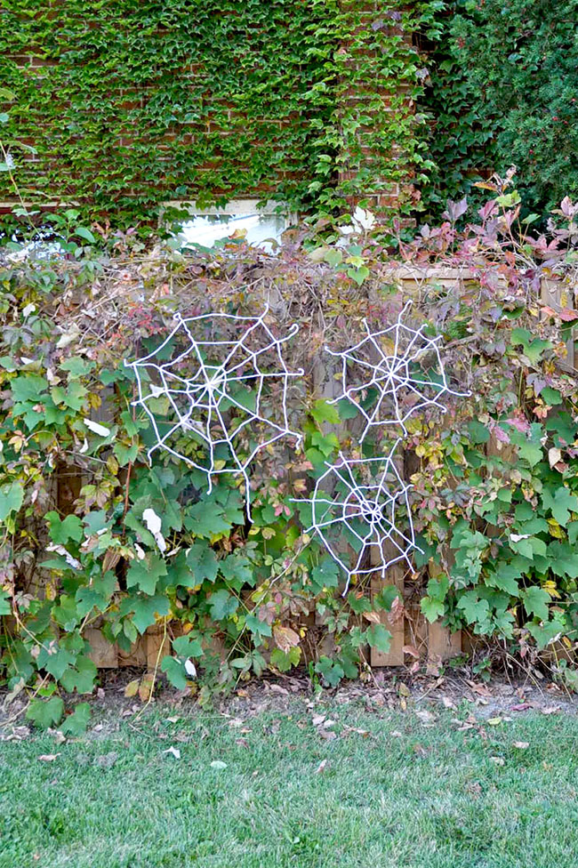 DIY Yarn Spiderwebs