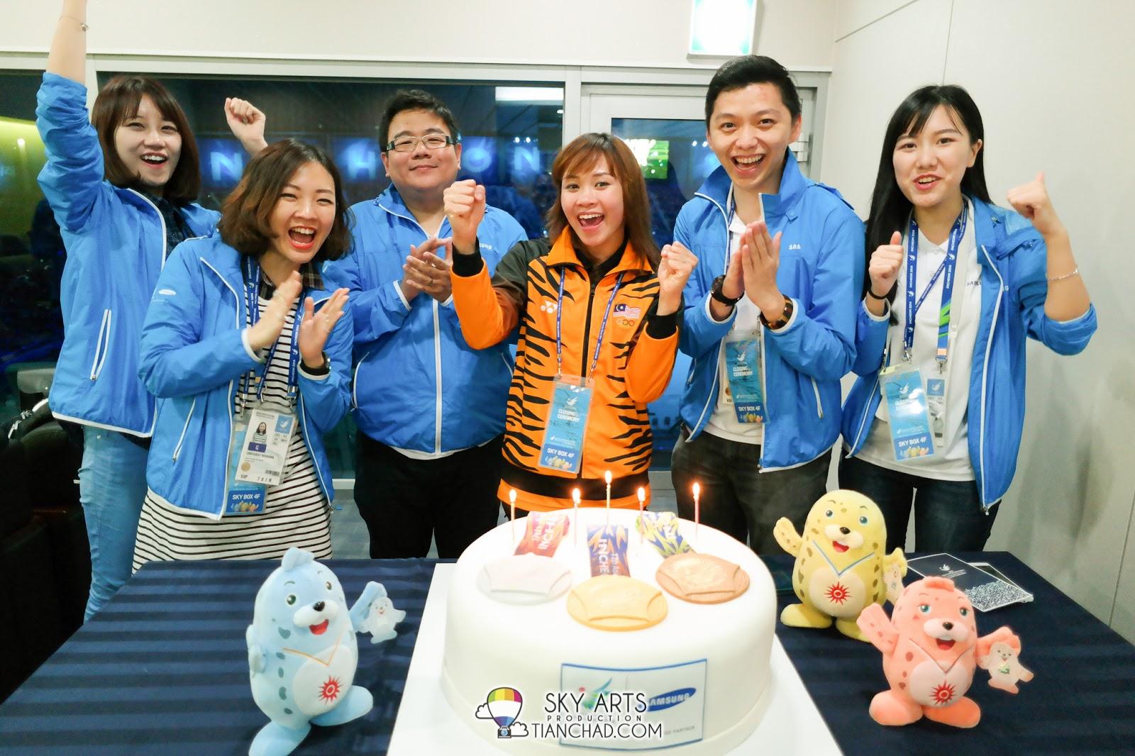 http://1.bp.blogspot.com/-b1MsfCXcpFQ/VDOeIYYITMI/AAAAAAAB8hE/WKpscp0T_bw/s1600/Incheon-Asian-Games-2014-Closing-Ceremony-TianChad.com-5169.jpg