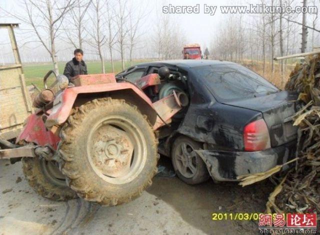 http://1.bp.blogspot.com/-b1b3XenqRyM/TXhQKRX9mCI/AAAAAAAAQkY/BvJUWe1gyvs/s1600/the_tractor_and_640_06.jpg