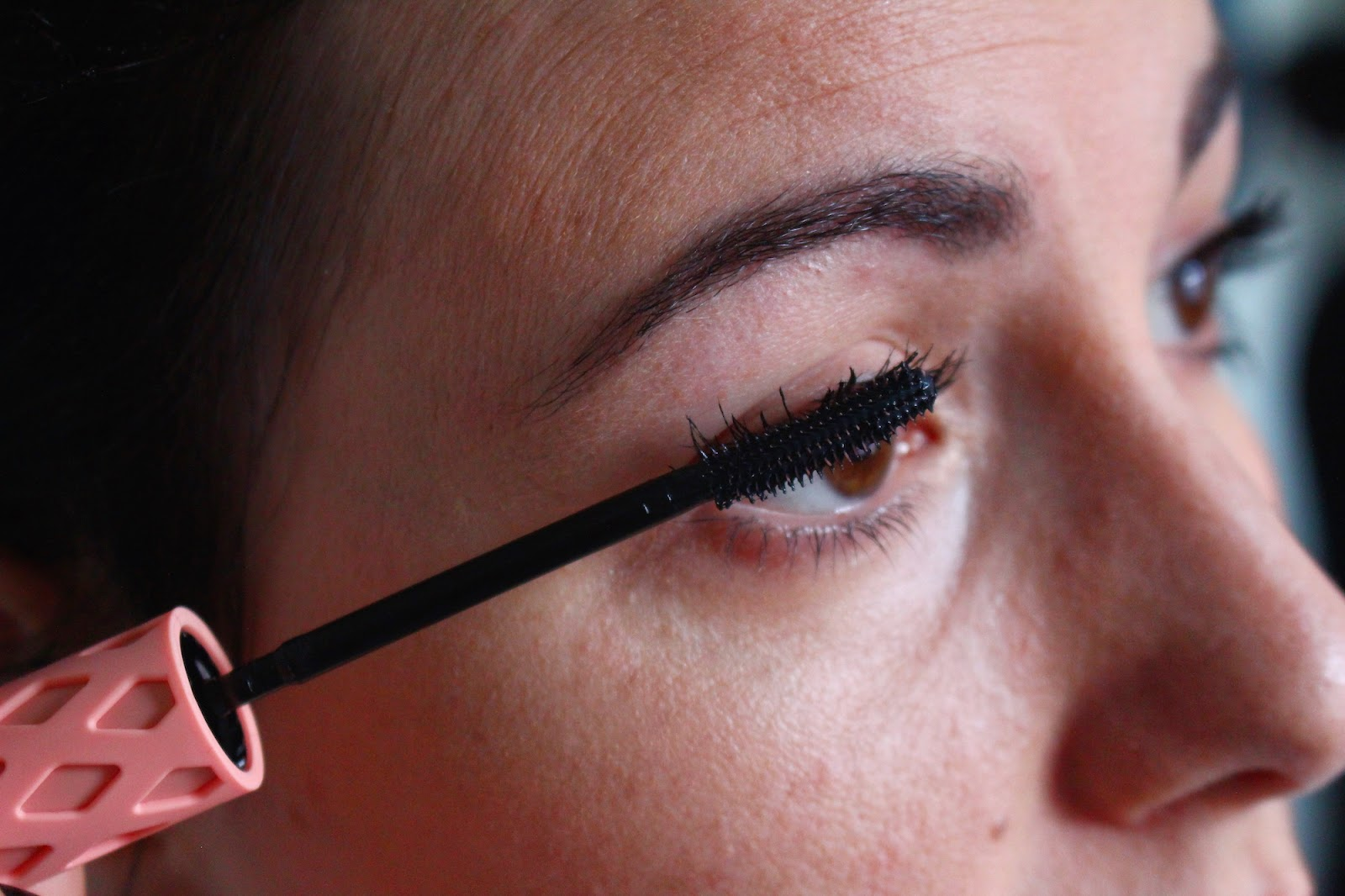 make up maquillage mascara benefit roller lash avis critique © Mama Fashionista
