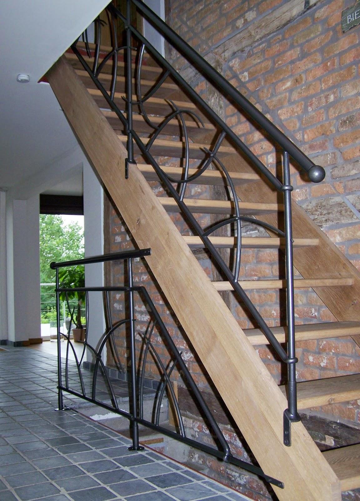 Kunstsmeedwerk smeedijzeren trapleuningen rampes d - Rampe d escalier moderne ...