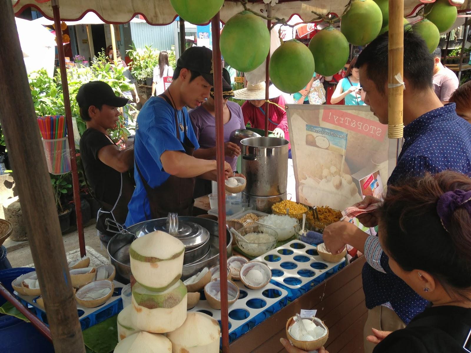 FoodieFC: Coconut Ice Cream at Chatuchak Weekend Market ...