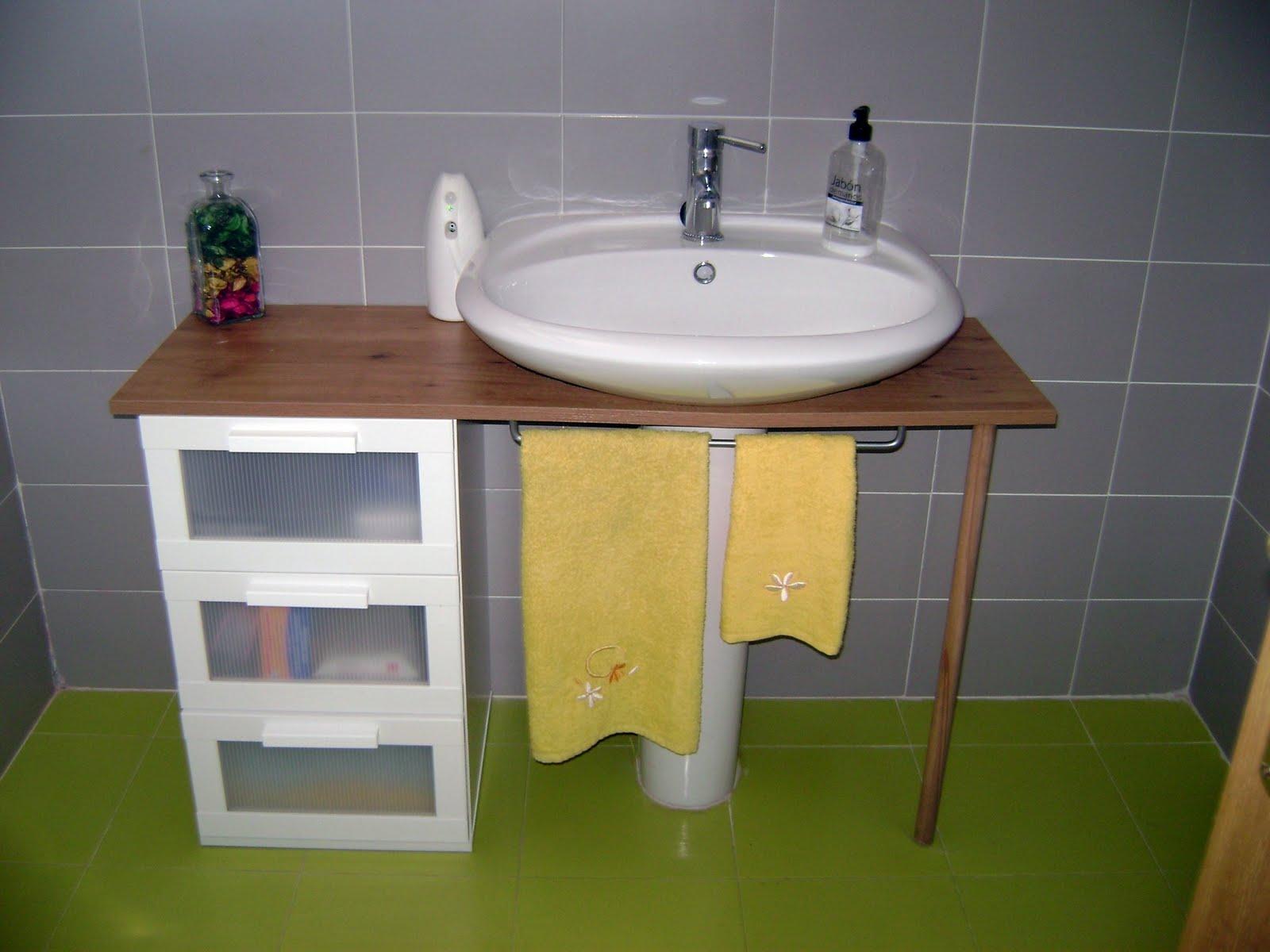 Ikea hack el mueble del ba o de yani - Muebles de bano para lavabo con pie ...