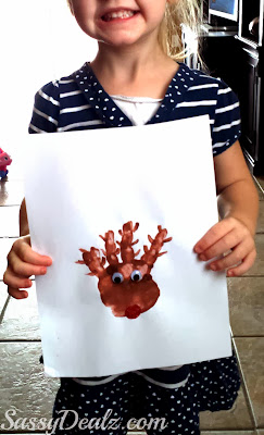 handprint reindeer christmas craft for kids
