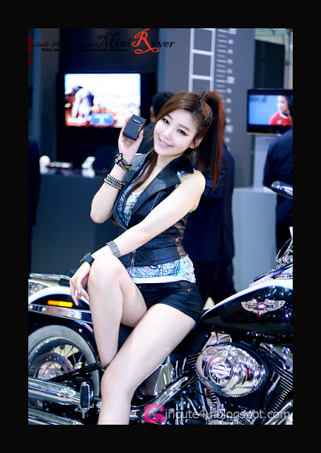 2 Jo Sang Hi - World IT Show 2012-very cute asian girl-girlcute4u.blogspot.com