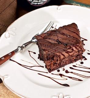 Receita de Bolo cremoso três chocolates