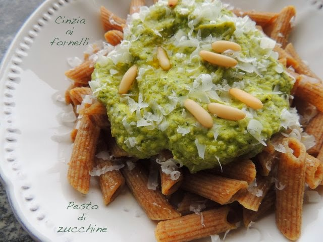 pesto di zucchine veg facile e veloce