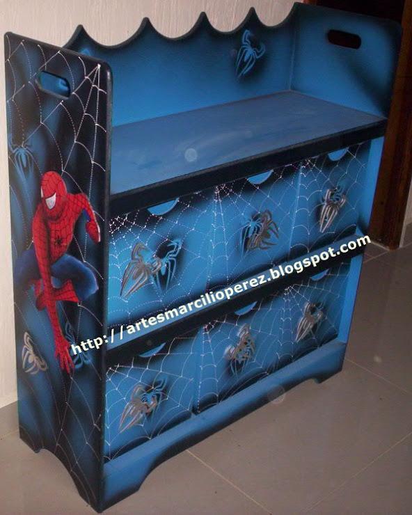 Estante com 6 caixas Homem Aranha R$ 350,00