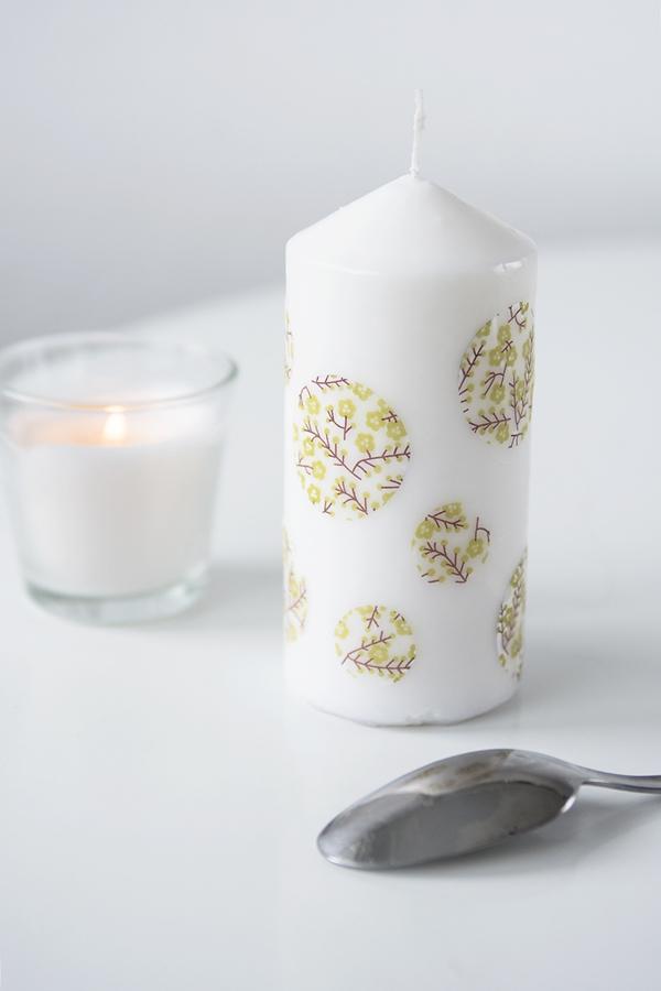 Decorar Velas Decorar Velas Las Velas Estn Disponibles En Muchos - Decorar-velas-con-servilletas