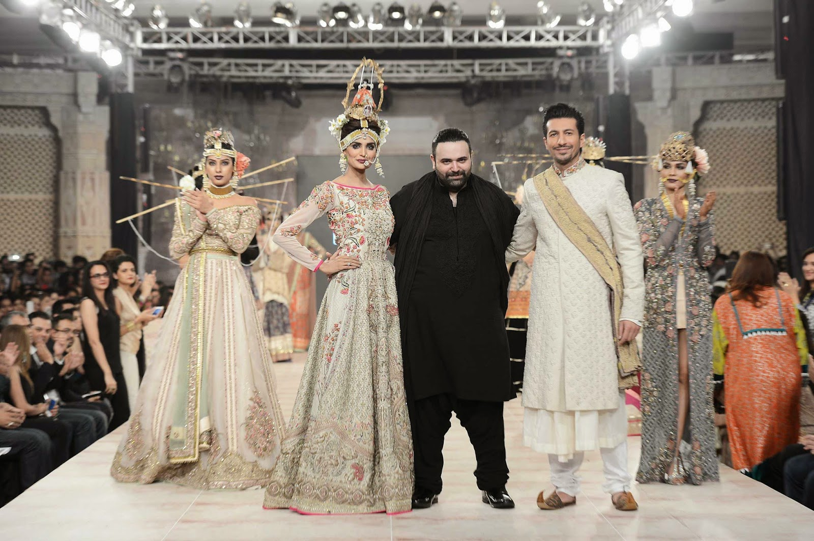 bridal collection fashion show fahad hussayn