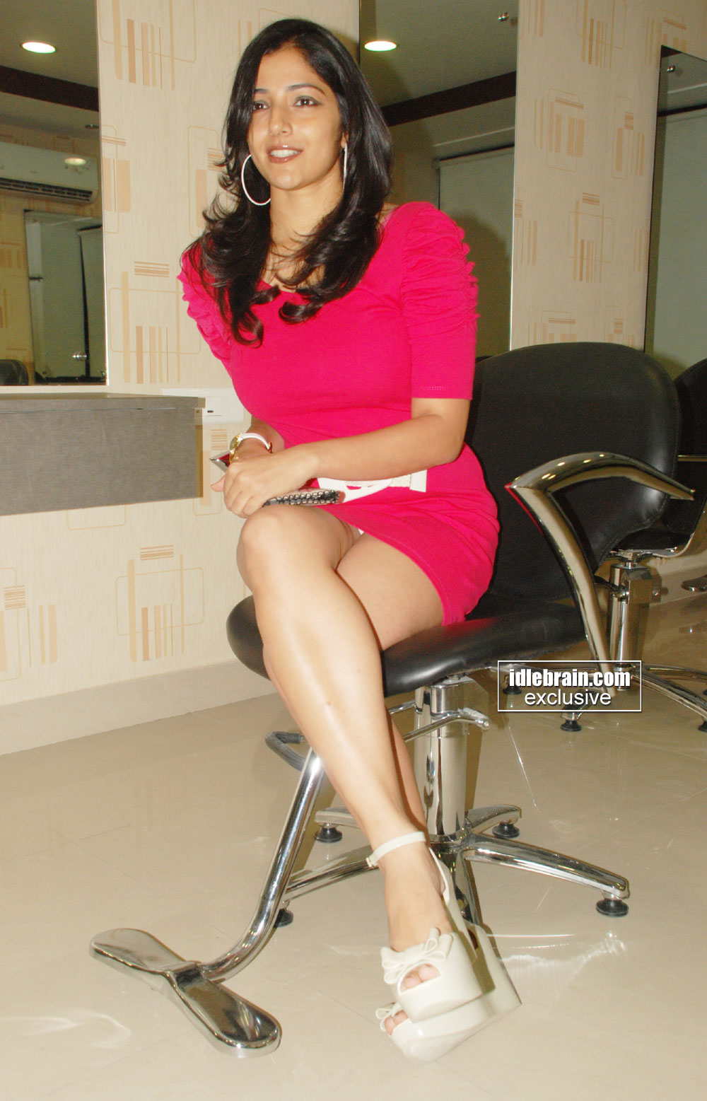 Nishanthi Showing Her White Panty Spicy Thighs Latest Pics