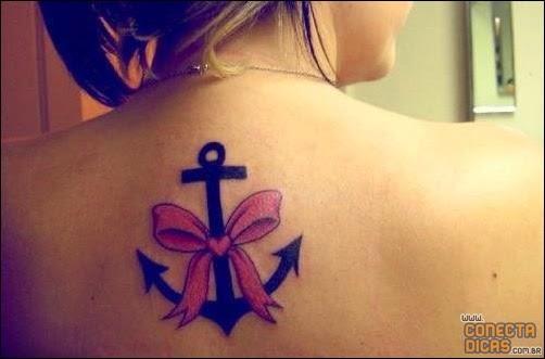 Tatuagens Femininas nas costas - âncora