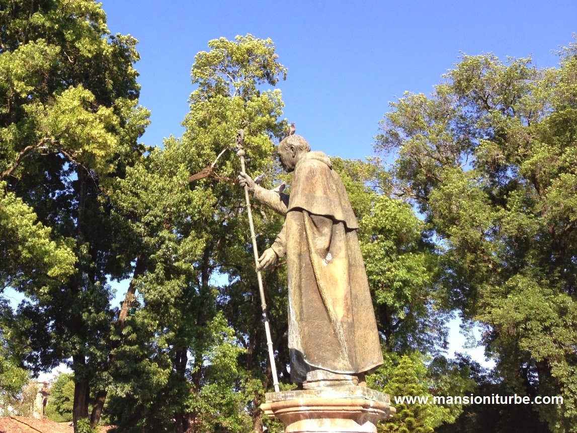 Statue of Don Vasco de Quiroga in Patzcuaro