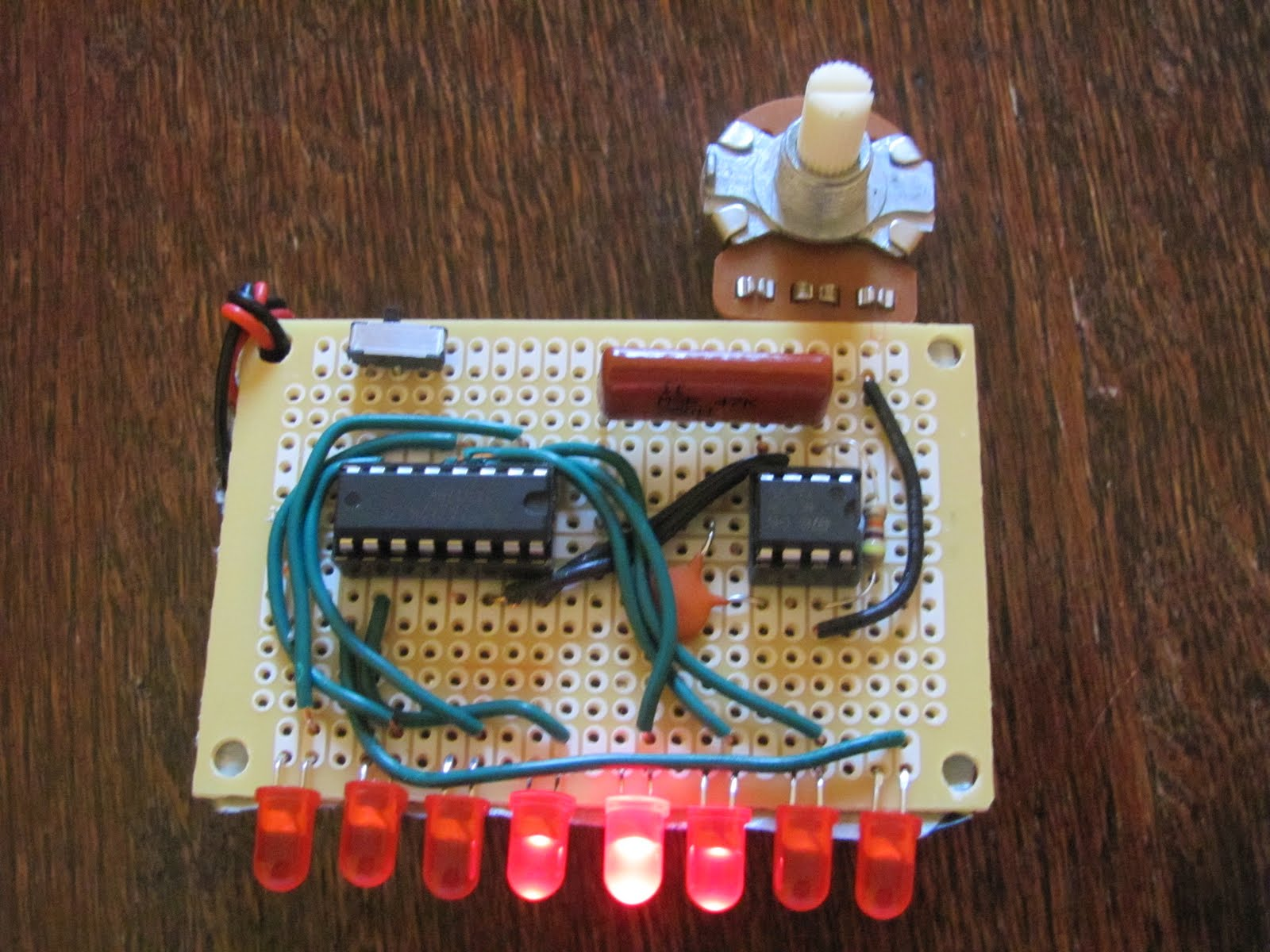 Projects Fun Knight Rider Using 555 And 4017 Ic Timer Astable Mode Circuit They Flash One At A Time Chasing Each Other In The Is Wired As An Oscillator