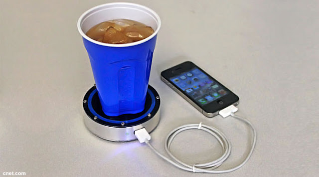 Tatakan Gelas Bisa Isi Ulang Batere Smartphone