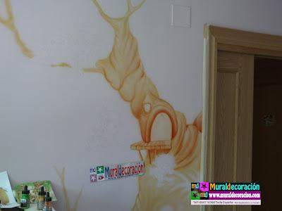 Comienzo de Mural Infantil Duendes Toread