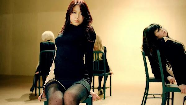 AOA Miniskirt Seolhyun