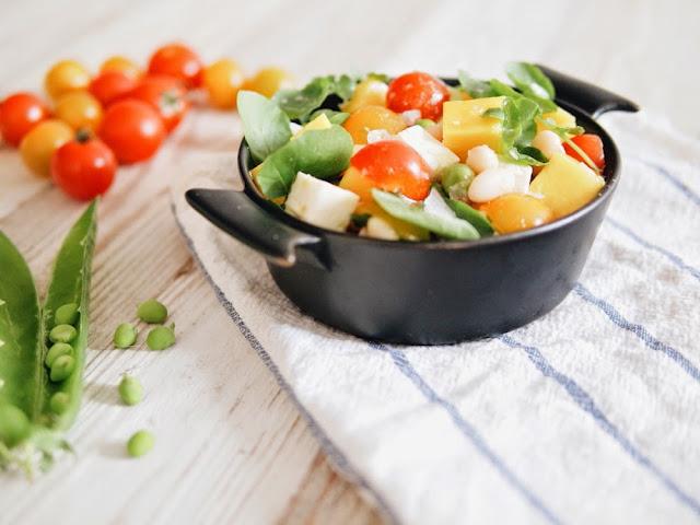 ensalada de verano de berros y mango