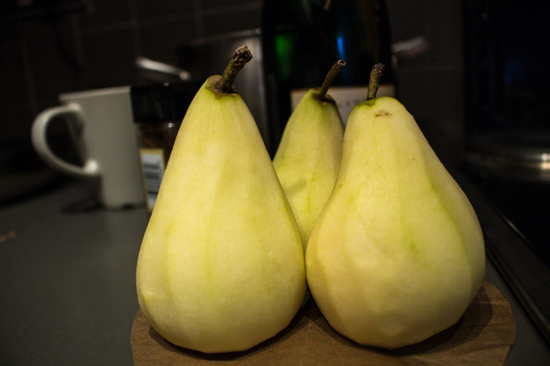 Peeled whole pears for poaching | Svelte Salivations