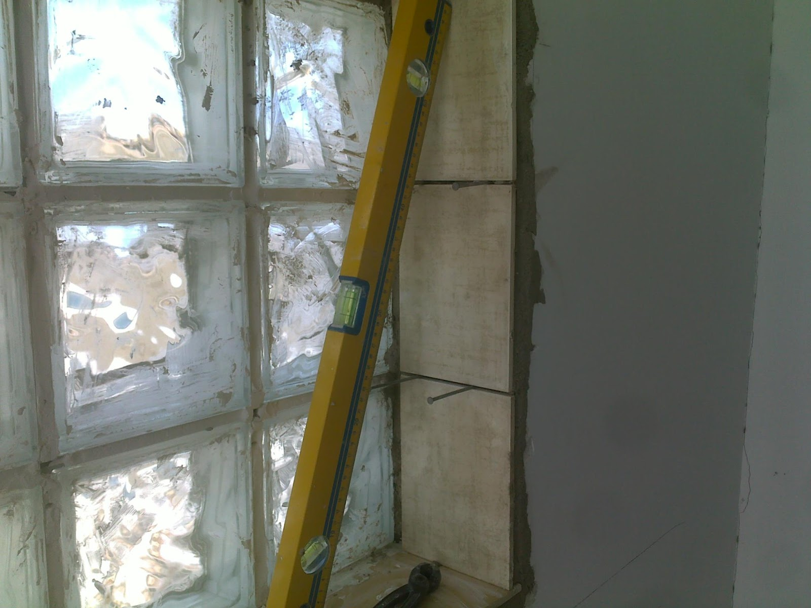 Sweet home work in progress finestra in vetrocemento - Piastrelle vetrocemento ...