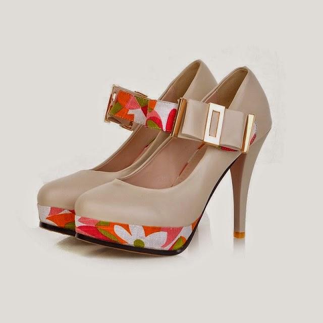 Foto Gambar Model Sepatu Wanita Trend Untuk Jalan Jalan