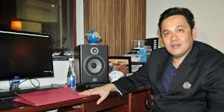 Tak Akui Anak,Farhat Abbas Di Tantang Sumpah Pocong
