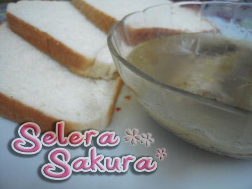 Roti dengan Sup Ayam