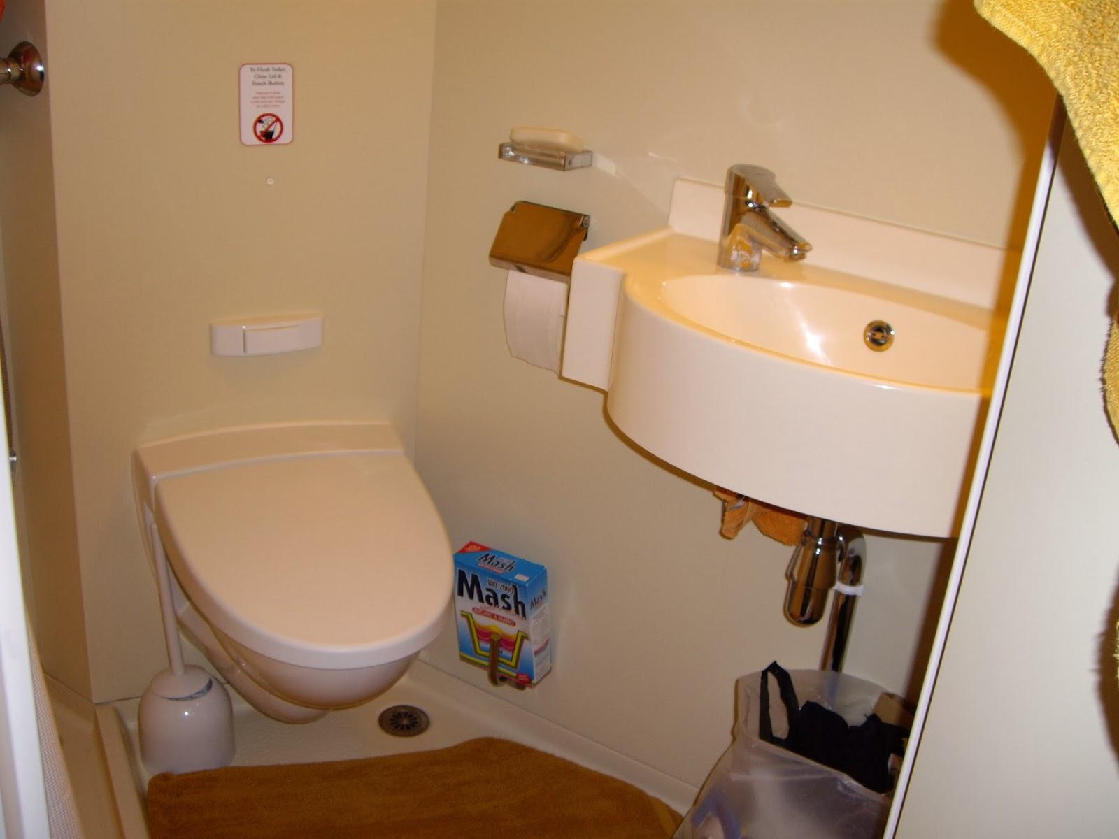 cama de cima a não ser que o companheiro de quarto escolha a cama de  #B0851B 1600x1200 Balança De Banheiro Qual A Melhor