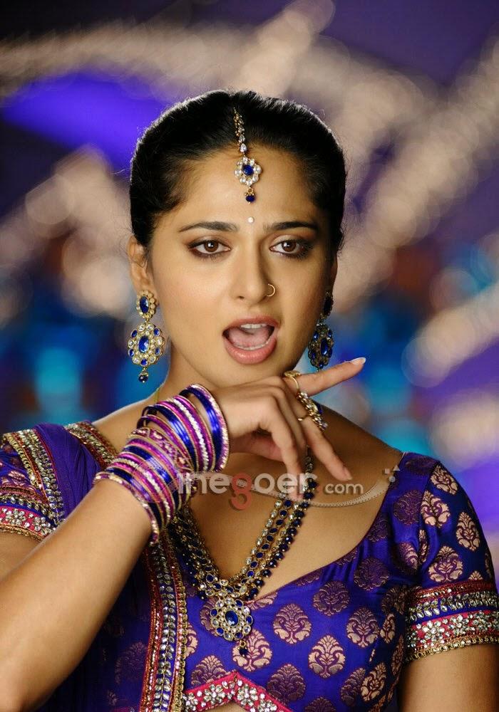 Tamil actress anshuka shetty hd wallpapers free download - Tamil heroines hd wallpapers ...