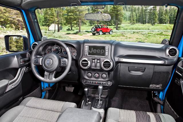 Interior view of 2013 Jeep Wrangler Sahara