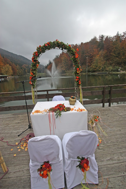 Hochzeit am Riessersee in Garmisch im Oktober - Fall wedding ceremony in Garmisch, Bavaria, Germany